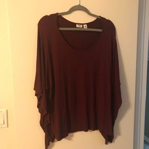 Maroon 18/20 Cato Maroon top, fits like an 18